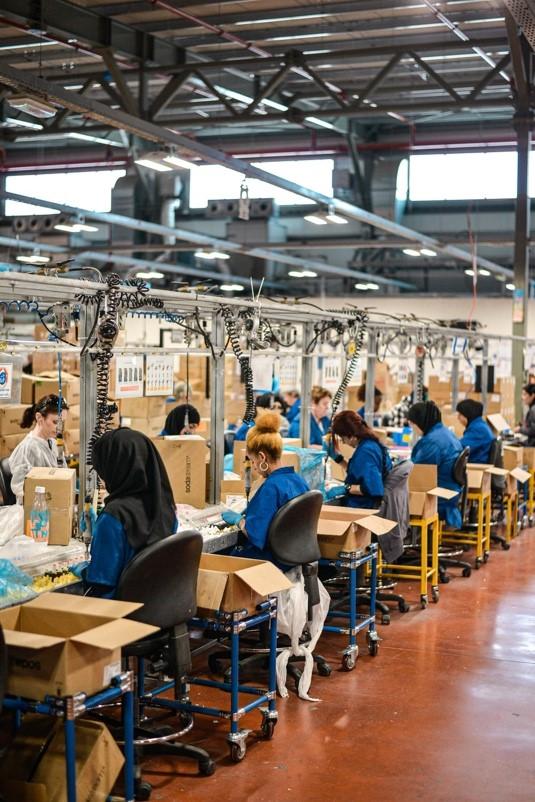 people-working-manufacturing